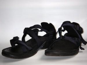 こちらは、テバのリバーガイドモデル(2005年モデル)。滑りにくいソール、足へのフィット感が高いストラップのシステム。このサンダルには、川のプロフェッショナルたちの要望が詰まっている