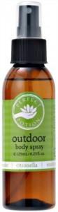 天然成分100%で作られた市販のオイルもある。虫のいやがる成分が含まれているが、「虫除け」とはうたっていない。ボディスプレーとして販売されている。