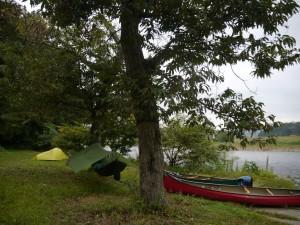 那珂川の中流域、御前山にある「なかよしキャンプグラウンド」。オープンして20数年。老舗のカヌーキャンプ場だ。カヌーのレンタルもある。 「なかよしキャンプグラウンド」=http://www.h3.dion.ne.jp/~ncg/