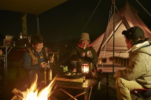 ワイルドワン入間店の角田太郎(左)が、芦ノ湖フィッシングキャンプへと誘ってくれたのだ。「今、すごく釣れてます」と。
