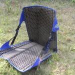 地面に近い椅子として、大好きなのがこれだ。クレイジークリークの座椅子。簡素にして優雅。