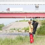 インフレータブルSUPの収納バッグを担いで、多摩川へとやってきた。