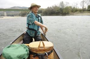 速乾性ウェアに「さよなら」すると、アロハな川旅ができる。