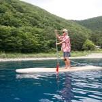 このSUPで静かな湖へと漕ぎ出すと、「Deep into Nature」にあふれてくる。