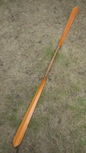 北海道の「インディアンカヌークラフト」松原秀尚が作ったアリュートモデルのワンピースパドル。高いポテンシャルをもつ。