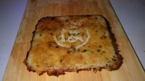 ちかさんの「焼肉サンド」は、パンではなくご飯で。醤油でおこげふうにしたご飯に、特性ダレに漬けこまれた豚肉がたっぷり。隠し味の大葉がにくい!