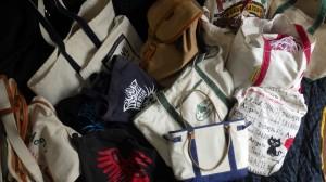 なぜか僕のまわりに帆布バッグが集まってくる。「こんなに持ってどうすんだ?」といわれそうだけど、「日々を愉しんでいるんだ!」としか答えようがない。