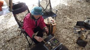 ある日のわが『燗銅壺庵』。あの子が作ってくれたおでんを温めながらときを過ごすのだ。