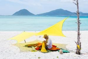 天国の島で、こんな感じの毎日だった。ムササビウイング『トラベリンライト』の新色は南国の海よりまぶしい。