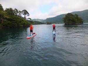 十和田湖へ、浸透していく。