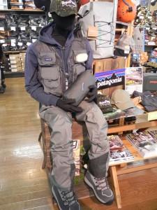 収納サイズが、20cm×33cmというコンパクトなウェーダーが、パタゴニアから発売された。かさばりを最小限に抑えたブーティ(靴下部分)は、ふだん使っているトレッキングシューズがそのまま履けるので、山岳渓流での釣りへ行きたくなる。